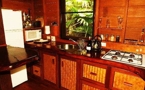 Amazing Wollumbin Palms Retreat at Mt Warning: Kitchen