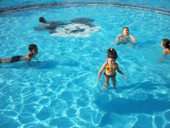 Sultan Beach Hotel: kids' pool