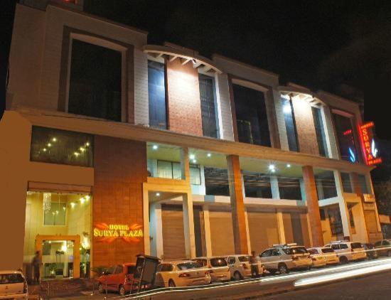 Hotel Surya Plaza: Exterior Facade
