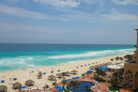 Ritz-Carlton Cancun: View form our hotel room :)
