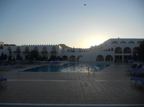 Alfa Beach Hotel: hotel pool