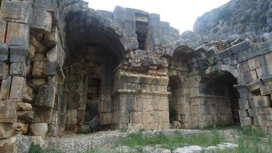 Myra Kaya Mezarları: Tiyatro