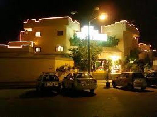 Salt & Pepper Village : at night