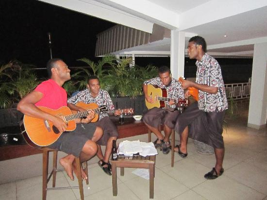 Novotel Suva Lami Bay: The evening entertainment