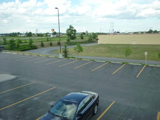 Hampton Inn Napanee-Ontario: East looking view