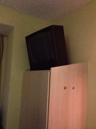 The Floridian Hotel and Suites: tv sitting on top of closet