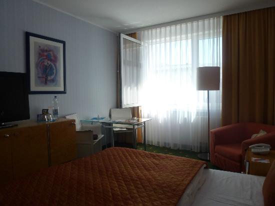 Best Western Alexa Hotel: Zimmer rundum Ansicht
