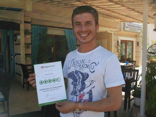 Aqua Cafe Bar : Yusuf,owner of Aqua Bar with his Trip Advisor certificate