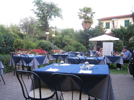 Malafemmmina Antico Girone: Beautiful spot to enjoy dinner!