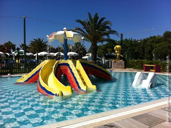 Club Mega Saray: Детский бассейн.