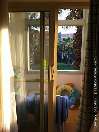 Club Mega Saray: балкон и вид из номера