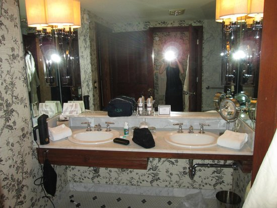 Hotel Jerome, An Auberge Resort: Bathroom