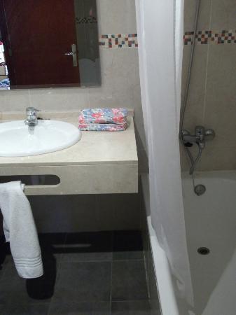 Palia Maria Eugenia Hotel: bathroom