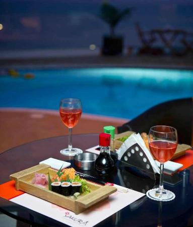 Hollywood Inn Hotel: Sakura Rooftop Sushi Restaurant