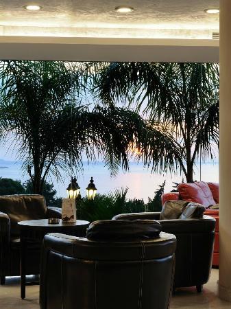 Hollywood Inn Hotel: lobby lounge