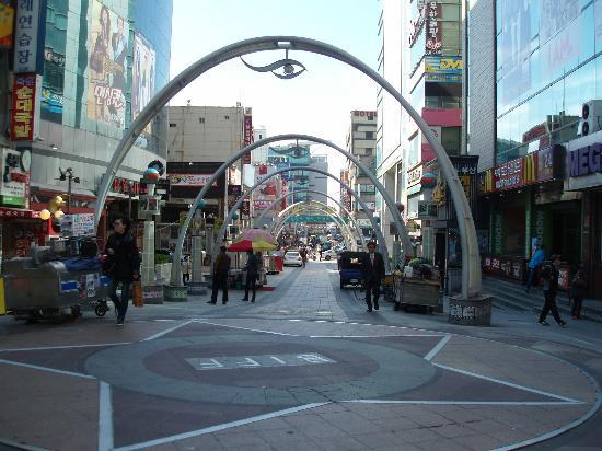BIFF Square: 中心
