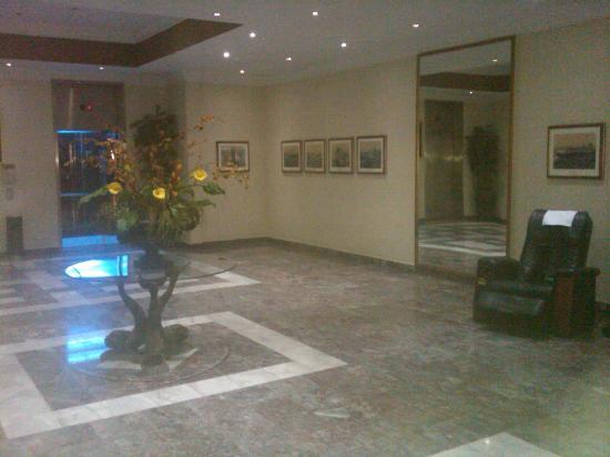Plaza Hotel Curacao: Elevator hall