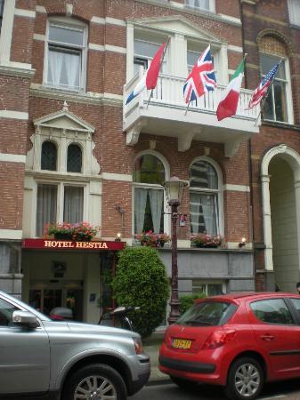 Hotel Hestia: Your front door
