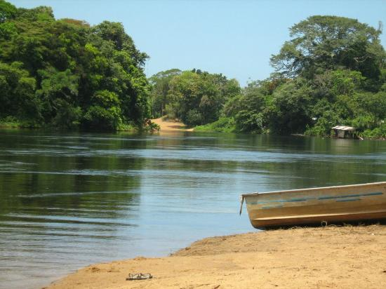 Surinam: Anani Strand - River Beach, Brokopondo