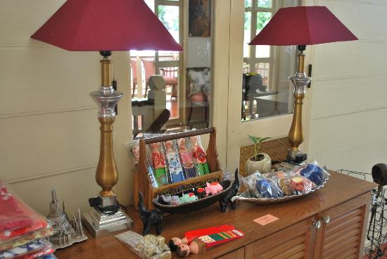 บ้านดินสอโฮสเตล: crafts area