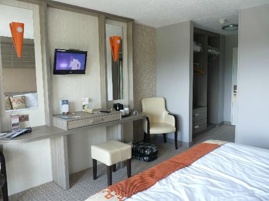 Gleneagle Hotel: Room
