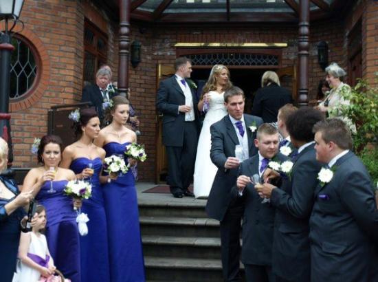 Bredbury Hall Hotel: steps