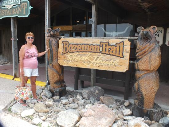 Bozeman Trail Steak House : The restaurant enterance