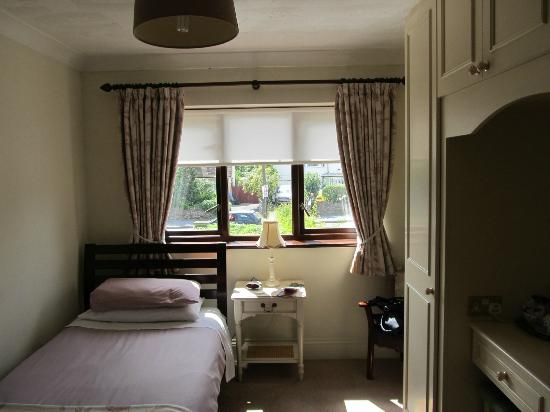 The Claddagh Guest House: My single en-suite room