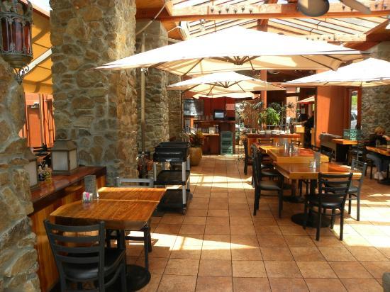 Ragged Point Inn: Interno ristorante