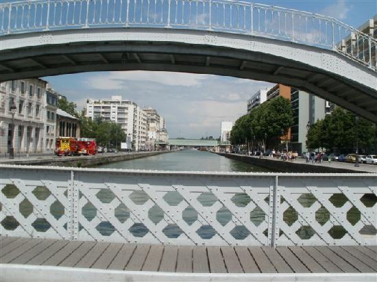 St Christopher's Canal Paris: canal de l'Ourq