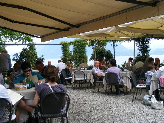 Hotel Milan Speranza Au Lac: Dining on Isla Pescatore
