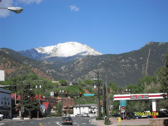 Pikes Peak Parking >> The View Of Pikes Peak From The Parking Lot At The Motel Picture