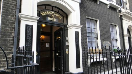 Regency House Hotel: entrance July 2012