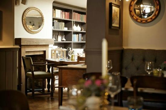 The Swan Pub: Intimate dining
