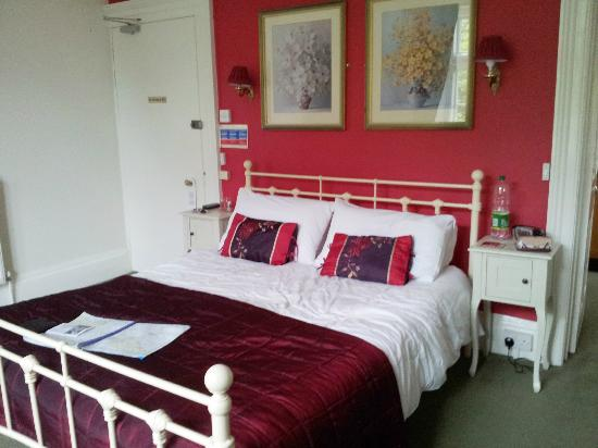 The Old Vicarage: A very tasteful and comfortable bedroom