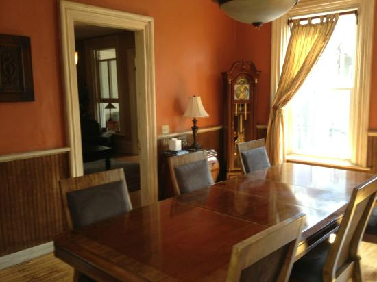 Brayton Bed and Breakfast: Breakfast room
