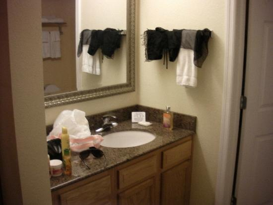 Staybridge Suites near Hamilton Place: vanity