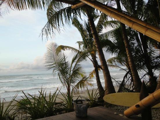 Boca Sombrero: Banca de playa, vista al mar, zona de surfistas