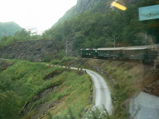 The Flam Railway : 80% of the Flåm Rail line is at a serious grade of 1:18!