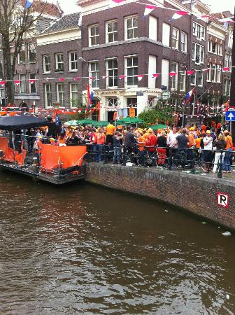 Bees B&B: Partying during Queens Day on Bloemgracht
