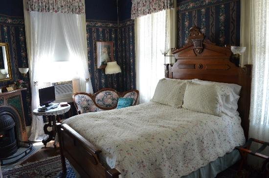 Bedford Inn: Edward room