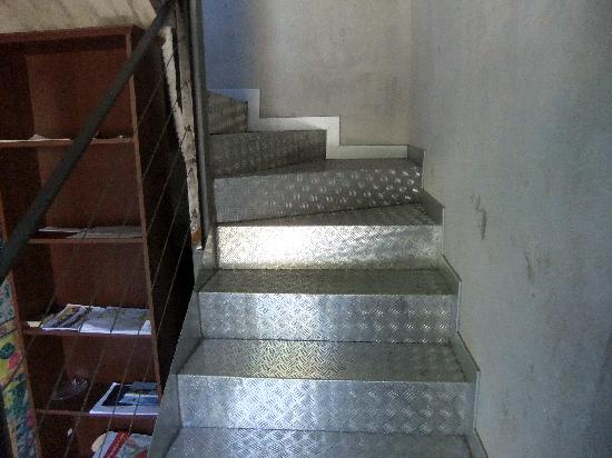 Residenza XX Settembre: Лестница на третий этаж
