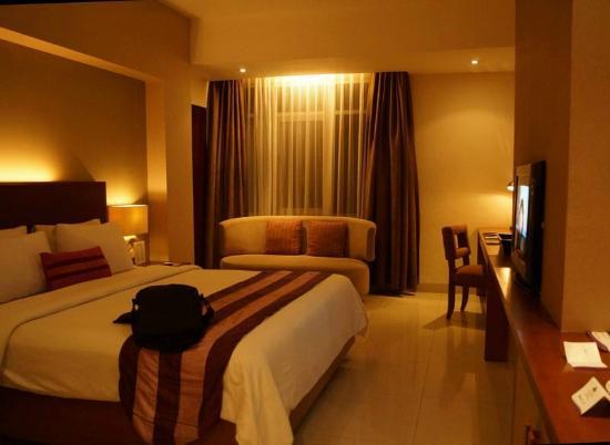 Anggrek Shopping Hotel: room