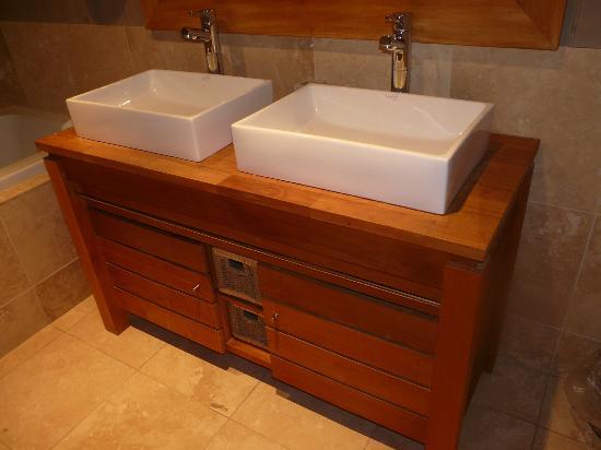 Jack and jill sinks in bathroom of suite 226 picture of - Jack and jill sinks ...