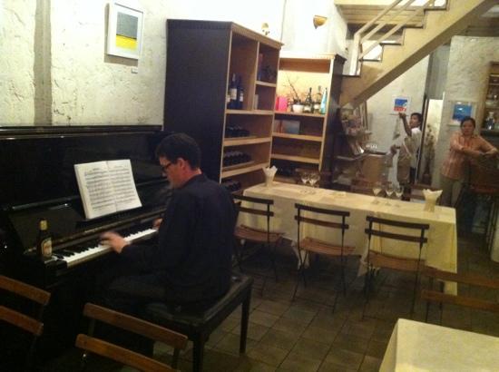 Hemlock: Pianist