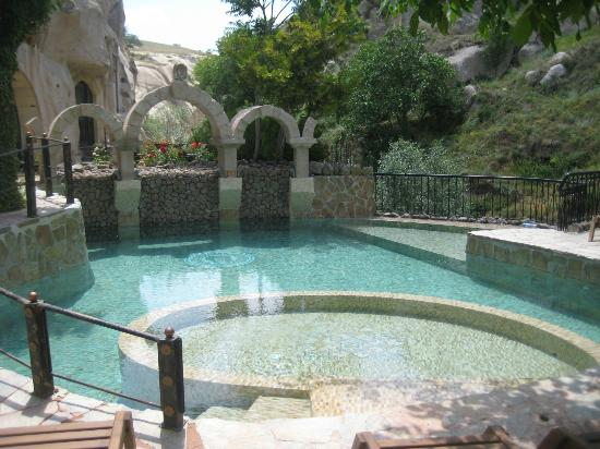 Gamirasu Cave Hotel: Hotel pool