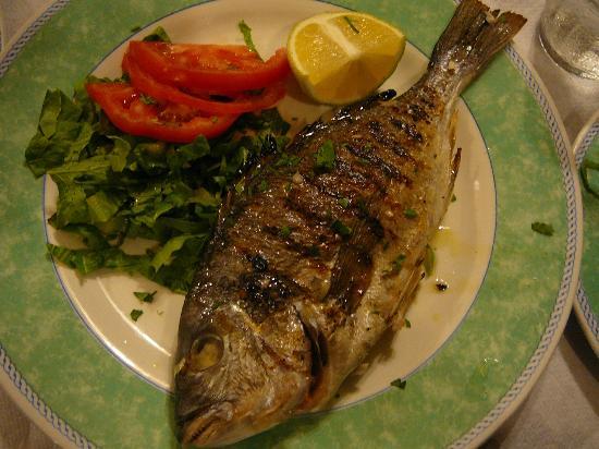 Meltemi: Grilled sea bream