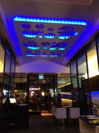 Zen Bistro - Millbrae: dining room