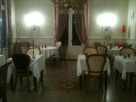Logis Le Mas de Couran : L salle à manger