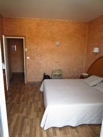 Hotel L'Orque Bleue: Room